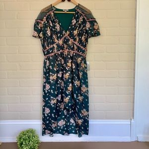 Chelsea28 NWT green floral pleaded high low dress